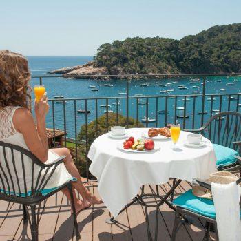 desayuno-vista-mar-hotel-aigua-blava